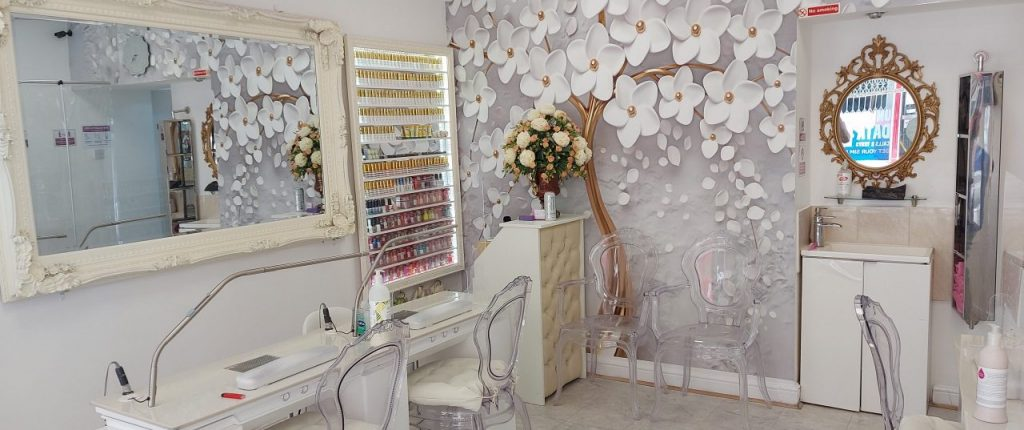 american nails beauty bath interior 15